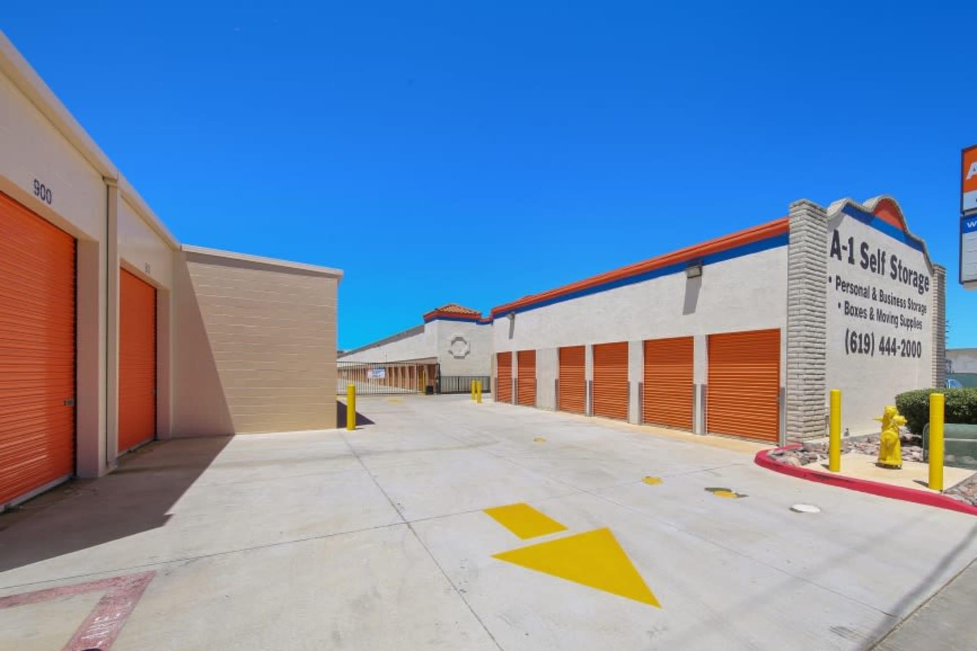 Outdoor storage units in El Cajon, California