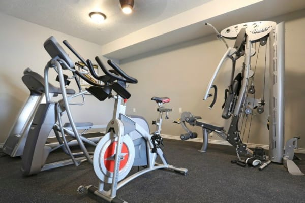 Fitness center at Ridgeview Apartments