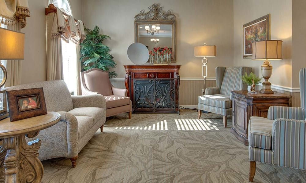 Reading Lounge at Capetown Senior Living assisted living facility in Cape Girardeau, Missouri
