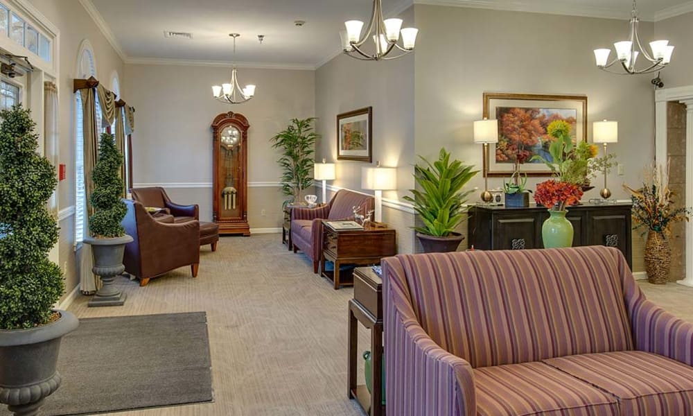 Quiet reading lounge at Eiffel Gardens in Paris, Tennessee