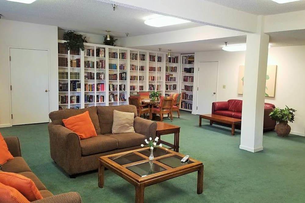 Spacious Library at Leisure Manor Senior Living in Sacramento, California