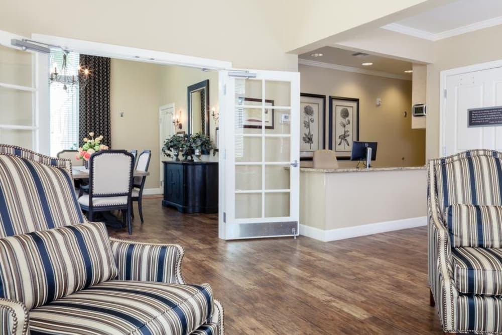 Modern lounge at apartments in Charleston, South Carolina