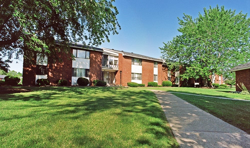 Welcome to your King's Court Manor Apartments home in Rochester, NY