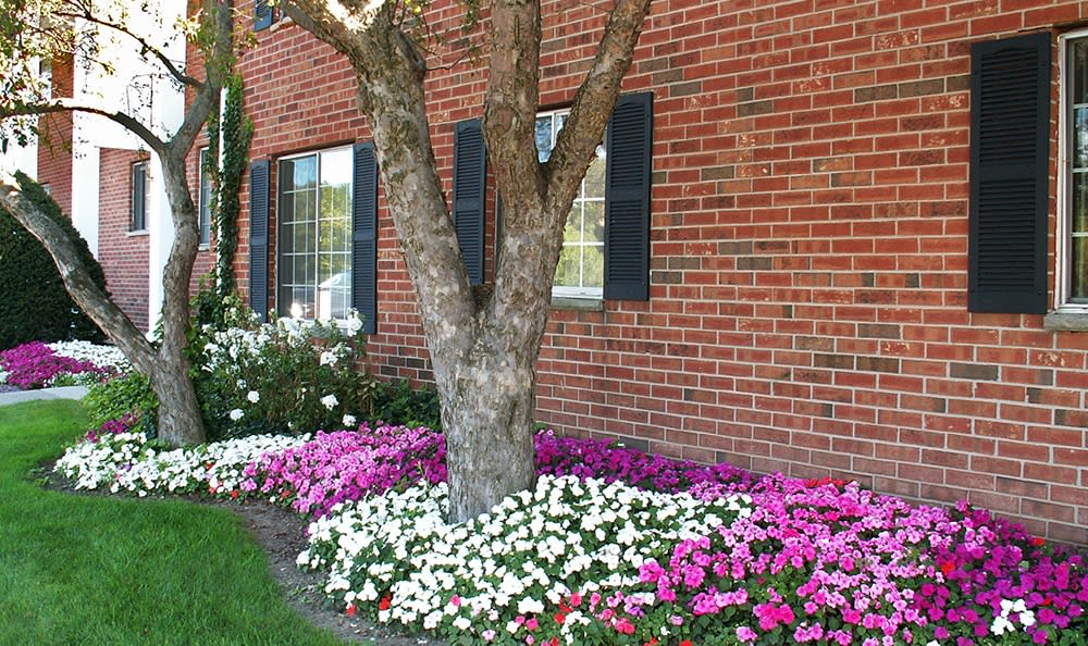 Beautiful garden at Waverlywood Apartments & Townhomes in Webster, New York