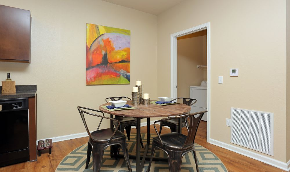 Dining Area At Springs at Woodlands South Apartments In Tulsa