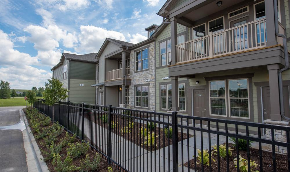 apartments exterior view at Springs at Weber Road in Romeoville, IL