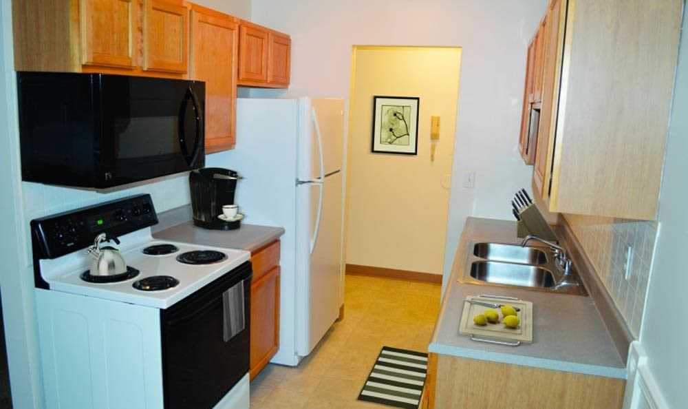 Well-equipped kitchen at Lake Vista Apartments in Rochester
