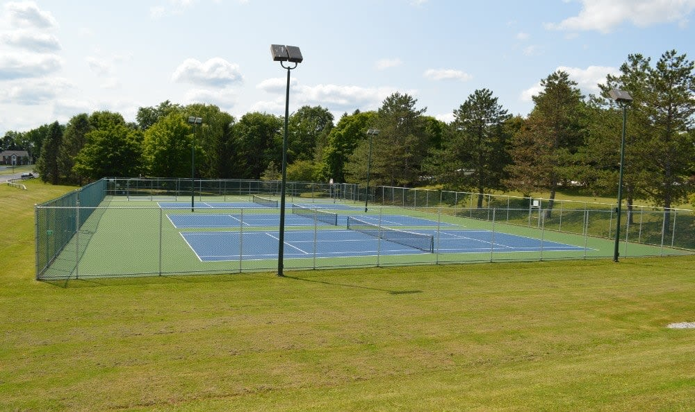 Tennis court at Riverton Knolls in West Henrietta, NY