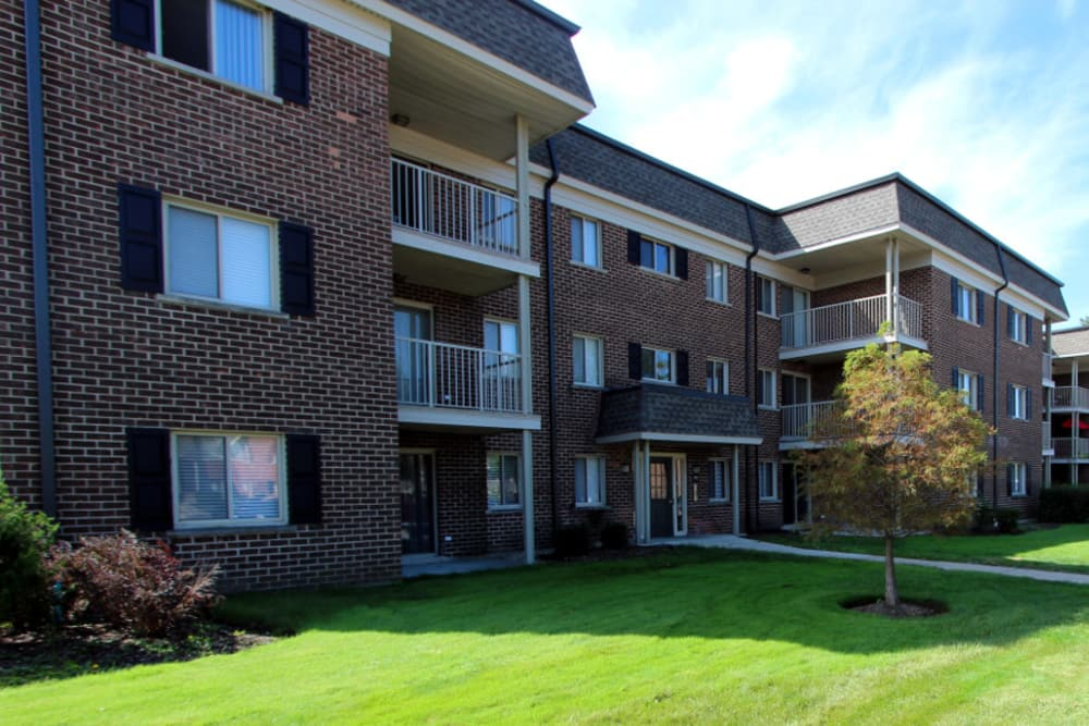 Apartments exterior at Cypress Place in Elk Grove Village, Illinois