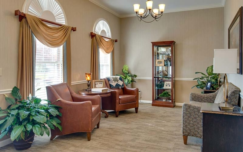 Comfortable seating in the lobby at Autumn Oaks in Manchester, Tennessee