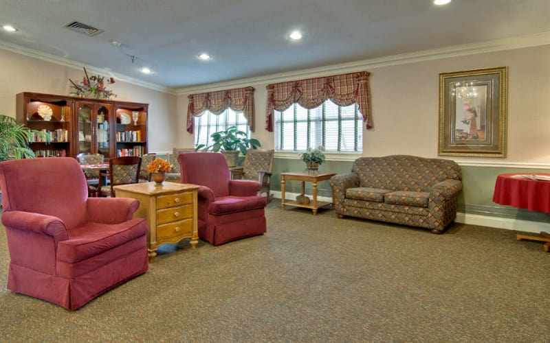 The library with quiet reading spaces at Heritage Nursing Center in Kennett, Missouri