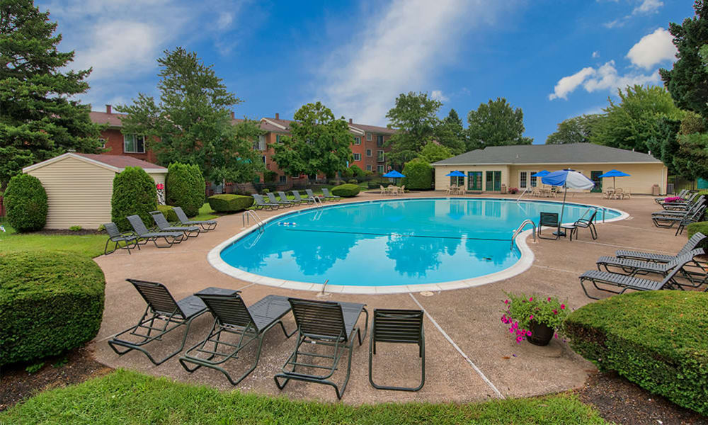 Beautiful swimming pool at Eagle's Crest Apartments in Harrisburg, Pennsylvania