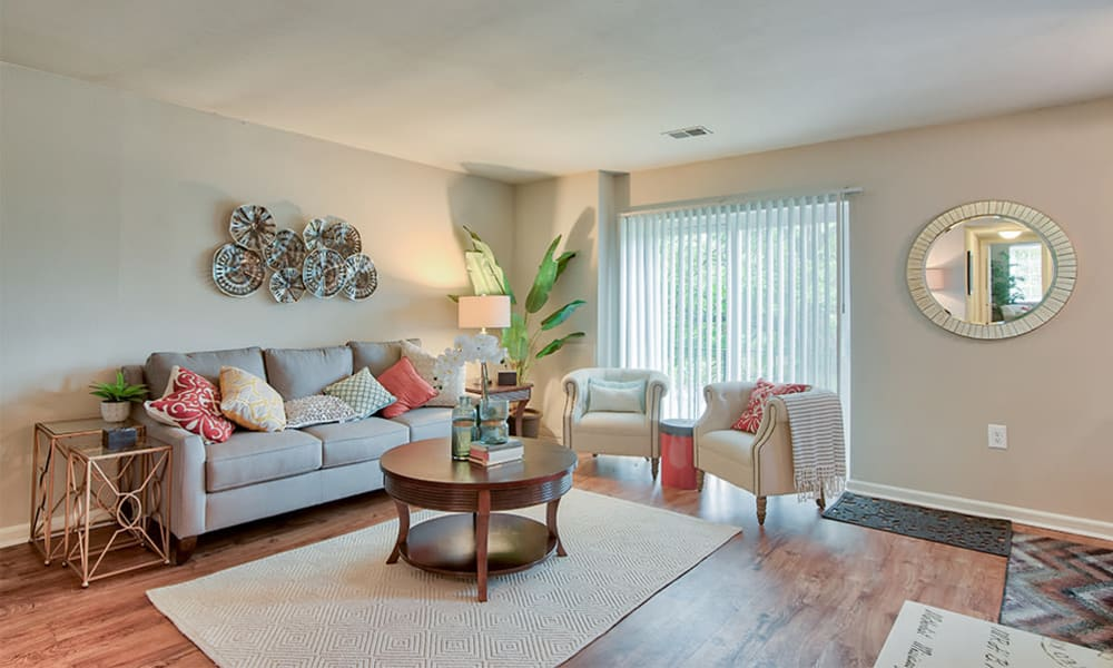 Cozy living room at Eagle's Crest Apartments in Harrisburg, Pennsylvania