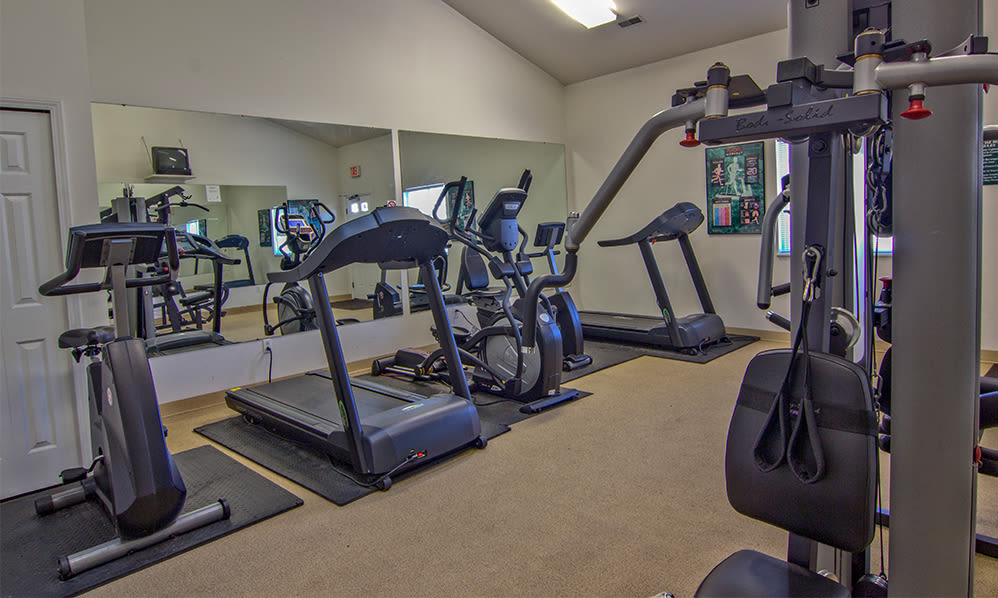 Fitness equipment at Steeplechase Apartments & Townhomes in Toledo, Ohio