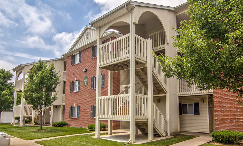 Exterior view at Steeplechase Apartments & Townhomes in Toledo, Ohio