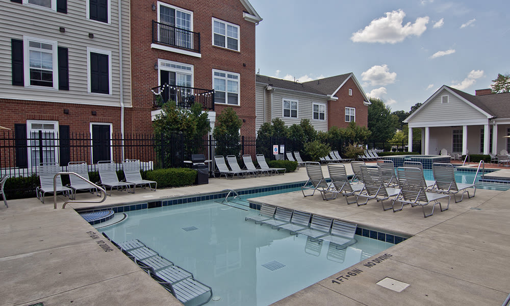 Swimming Pool at Chelsea Place in Toledo, OH