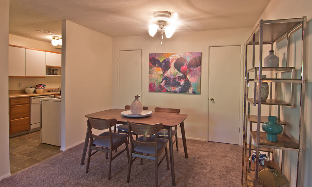 Dining Area at Lakeshore Drive