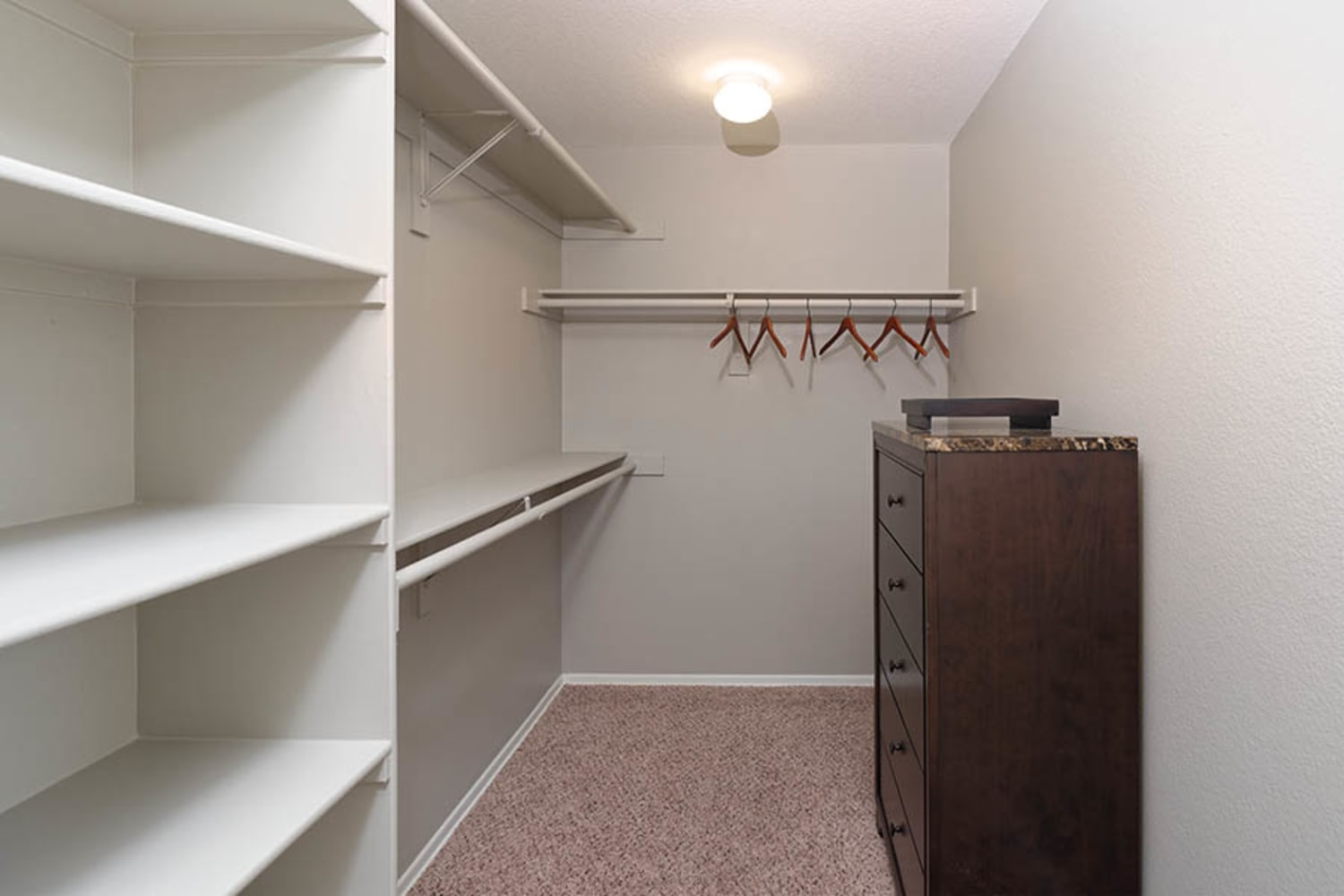 Camino Real offers apartments with walk in closets in Rancho Cucamonga, California
