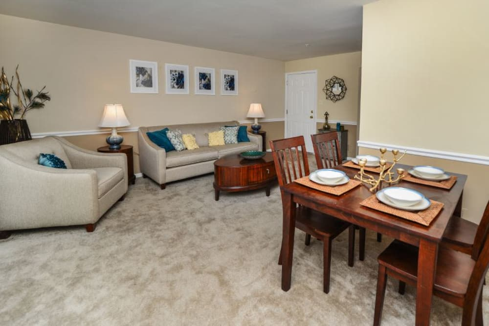 Spacious living room at Fox Run Apartments & Townhomes