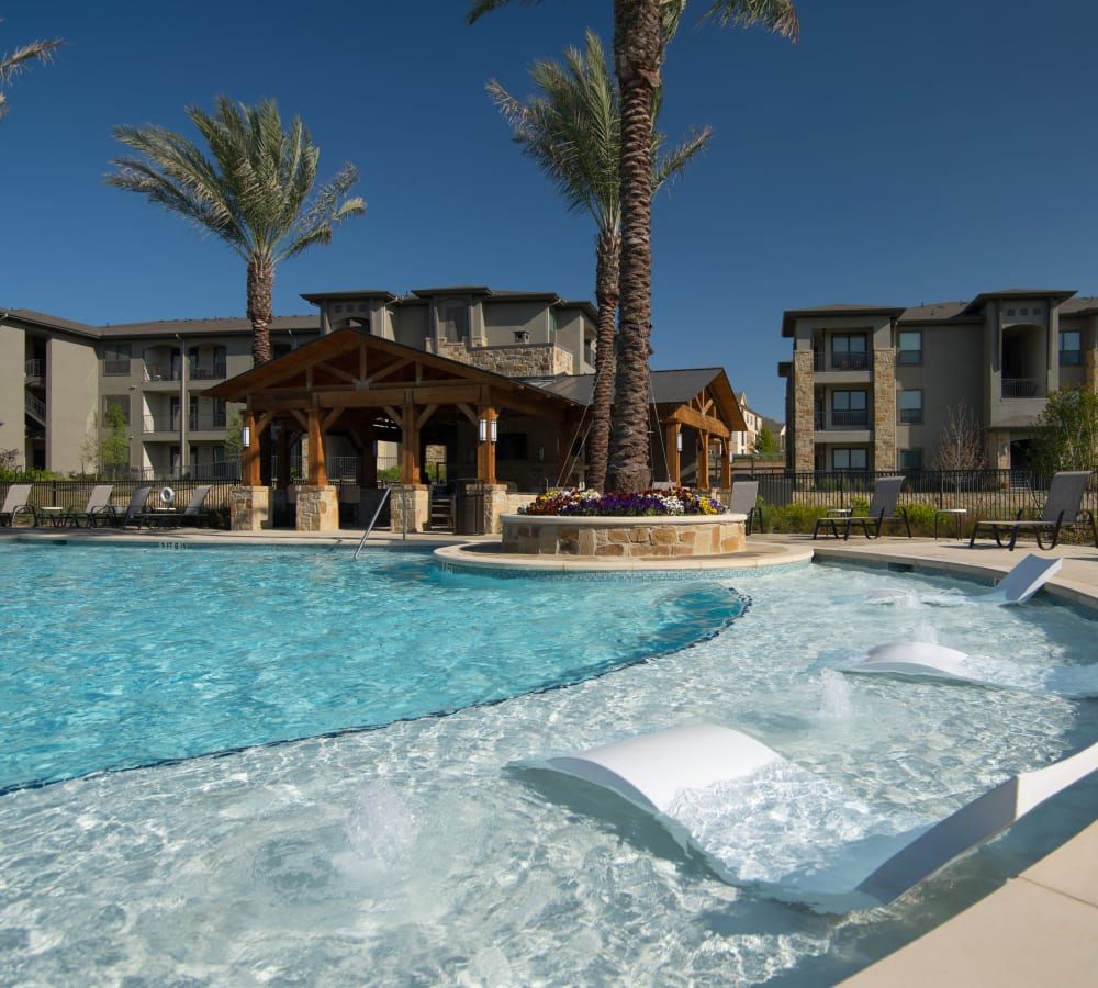 Large resident swimming pool at Savannah Oaks in San Antonio, Texas