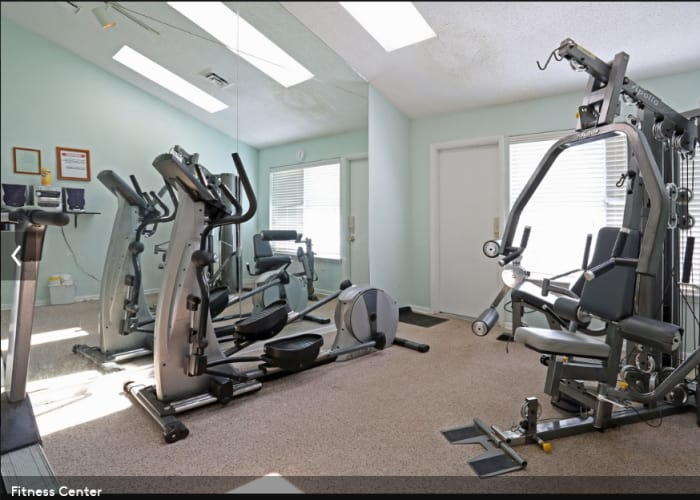 Link to amenities page at Stonebridge Apartments in Chesapeake, Virginia