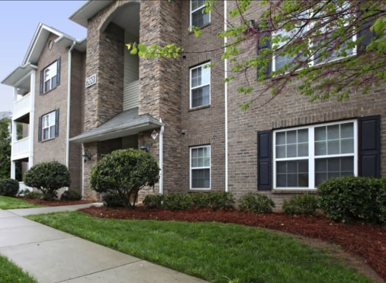 Luxury apartments for rent at Spartan Crossing