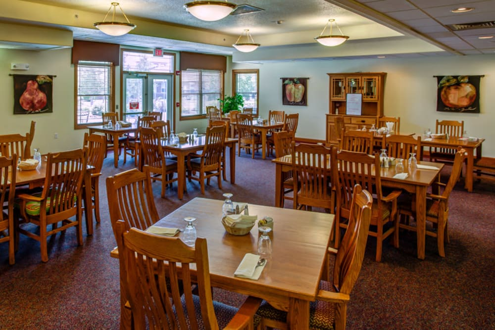 Resident dining room at Prairie Hills in Clinton, Iowa.