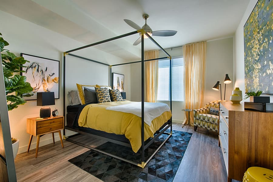 Bedroom with canopy bed at The TOMSCOT in Scottsdale, Arizona