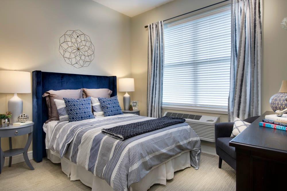 Master bedroom at Stonecrest at Burlington Creek in Kansas City, Missouri