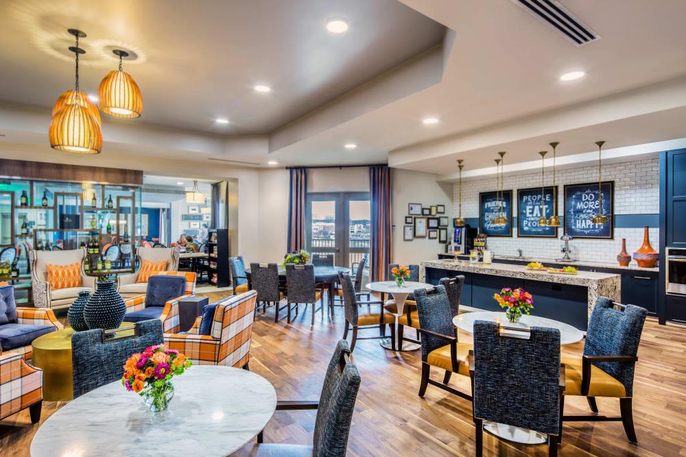 Stonecrest at Clayton View in Saint Louis, Missouri, dining hall