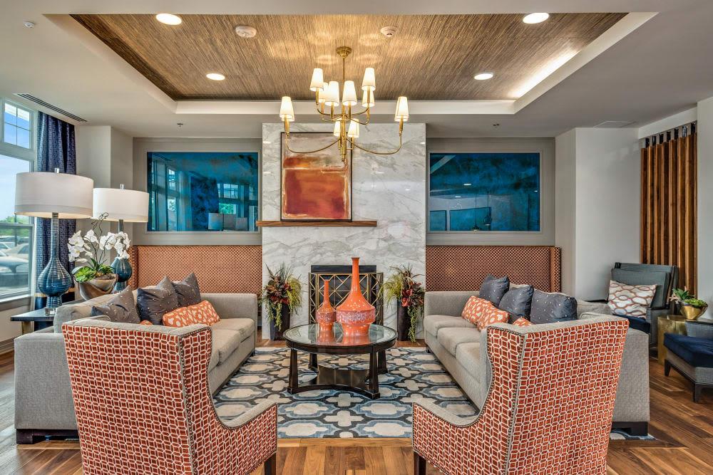 Stonecrest at Clayton View in Saint Louis, Missouri, lounge