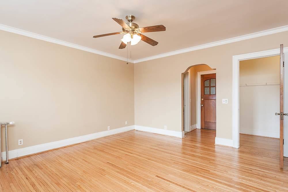 Spacious living room at Colby, Carlton, and Colby Park Apartments