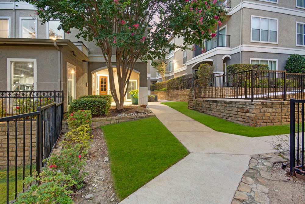 Walkways outside apartments at Vail Quarters in Dallas, Texas