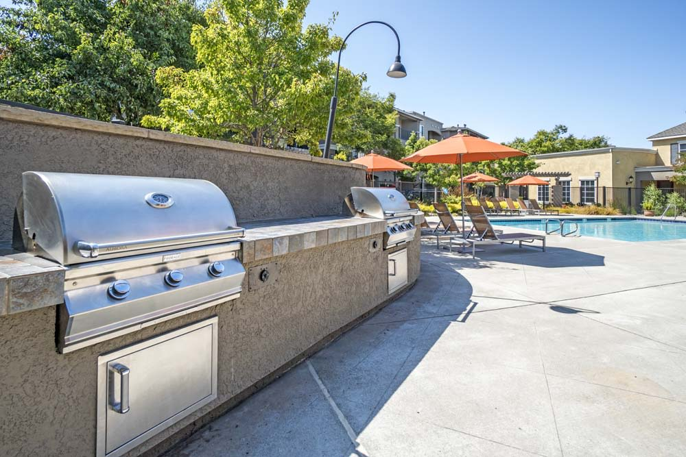 Barbeque Poolside at The Tides Apartments in Richmond, CA