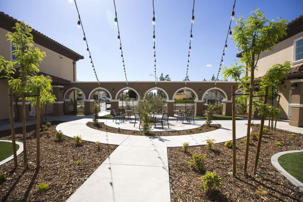 The courtyard at The Pointe at Summit Hills in Bakersfield, California.