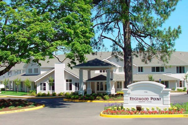 Front entrance of  Edgewood Point Assisted Living in Beaverton, Oregon