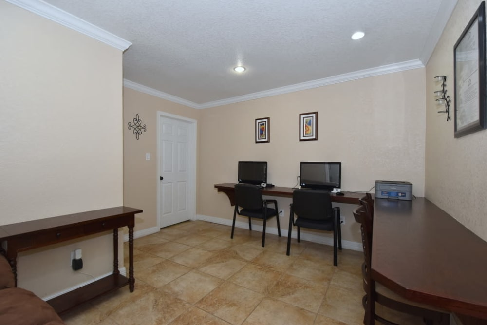 Falls of Maplewood Apartments offers a spacious business center in Houston, Texas