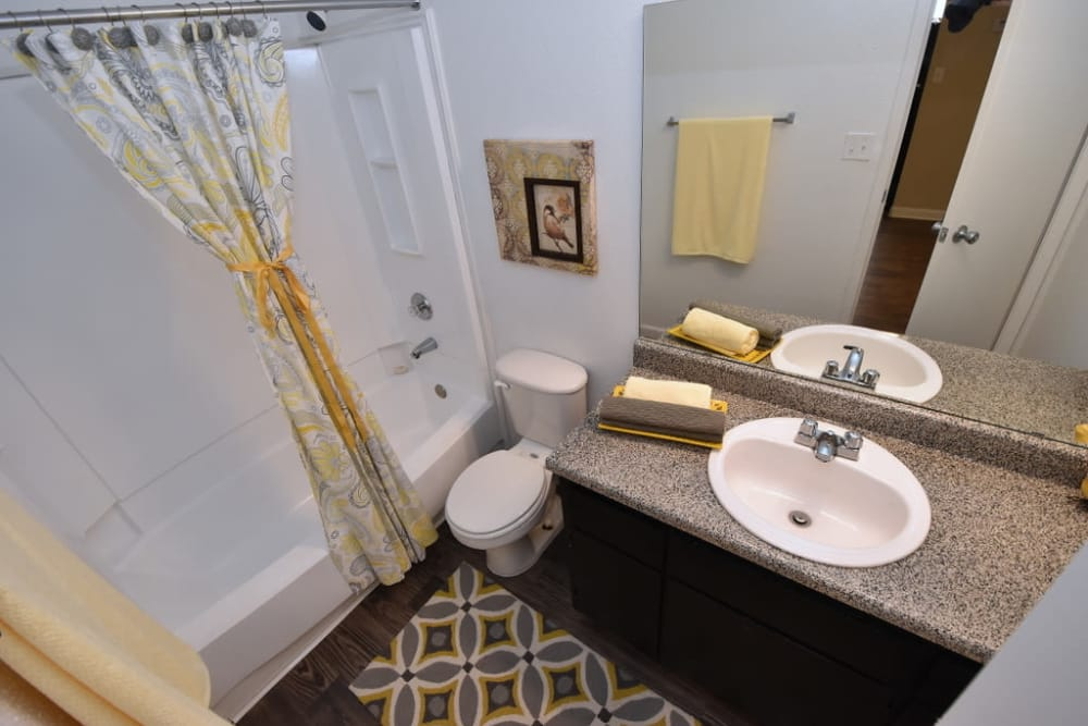 Bath at Green Meadows Apartments