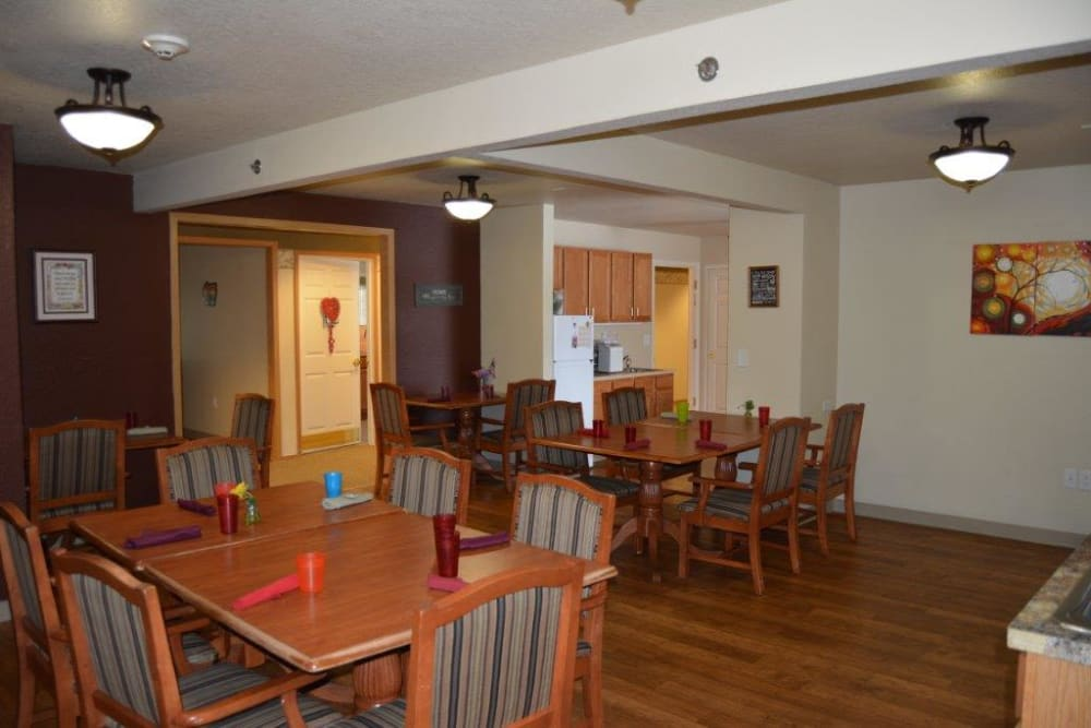 Small resident activity room at Courtyard Estates at Hawthorne Crossing in Bondurant, Iowa.