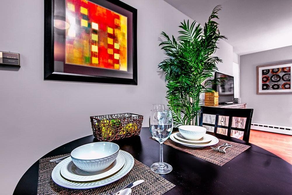 Elegant dining room at Philadelphia apartments