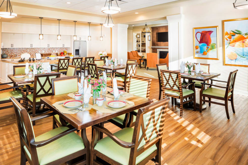 Dining area at Azpira at Windermere in Windermere, Florida