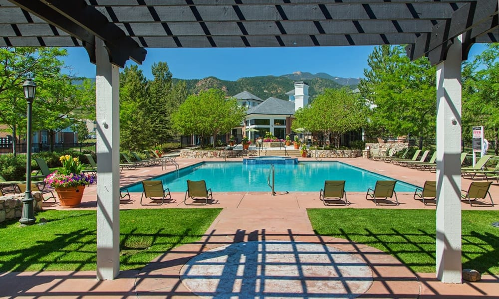 Swimming pool at Retreat at Cheyenne Mountain Apartments in Colorado Springs, Colorado