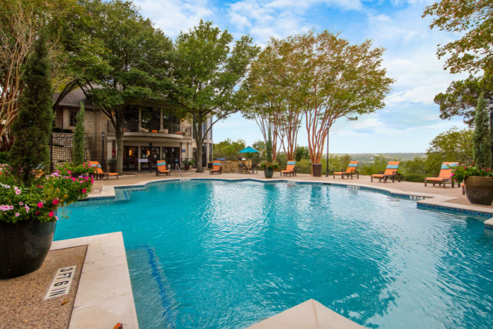 Sparkling, resort-style swimming pool at Marquis at Treetops in Austin, Texas
