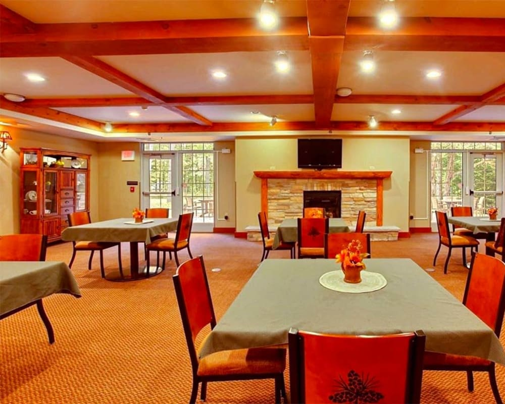 Spacious resident dining room at Milestone Senior Living Eagle River in Eagle River, Wisconsin.