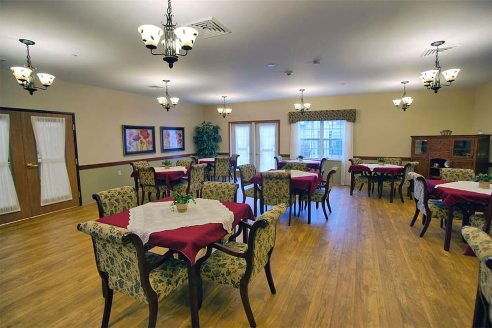 Spacious resident dining room at Milestone Senior Living in Rhinelander, Wisconsin.