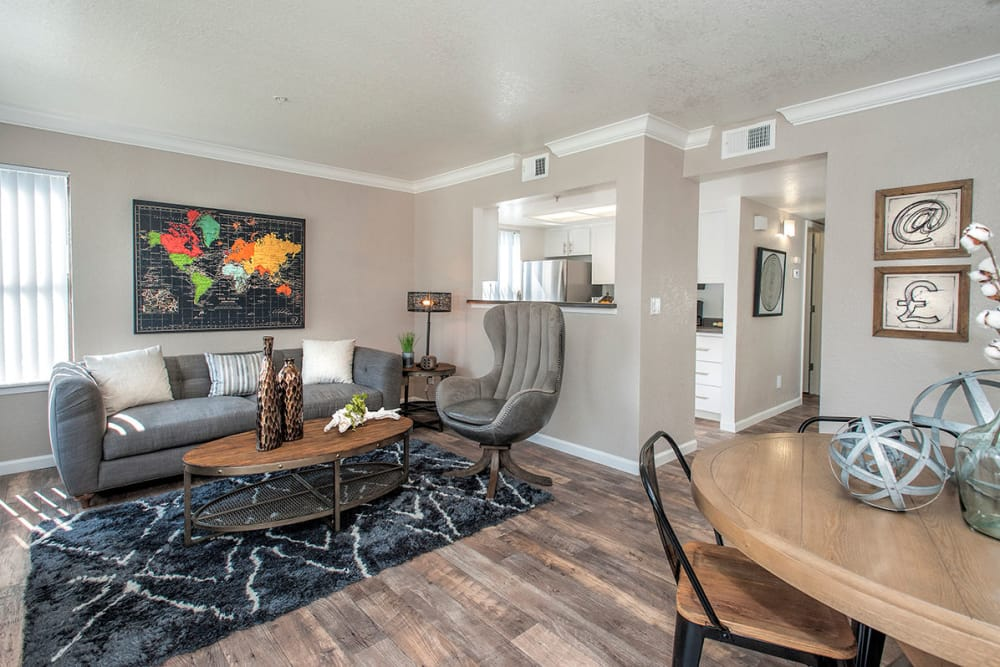 Dining area at Sandpiper Village Apartment Homes in Vacaville, California
