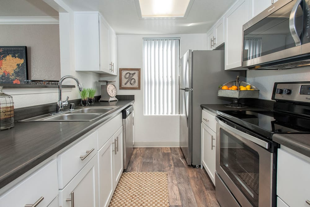 Clean kitchen at Sandpiper Village Apartment Homes in Vacaville, California