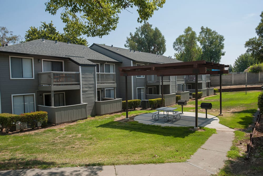 Walking paths at Sandpiper Village Apartment Homes in Vacaville, California