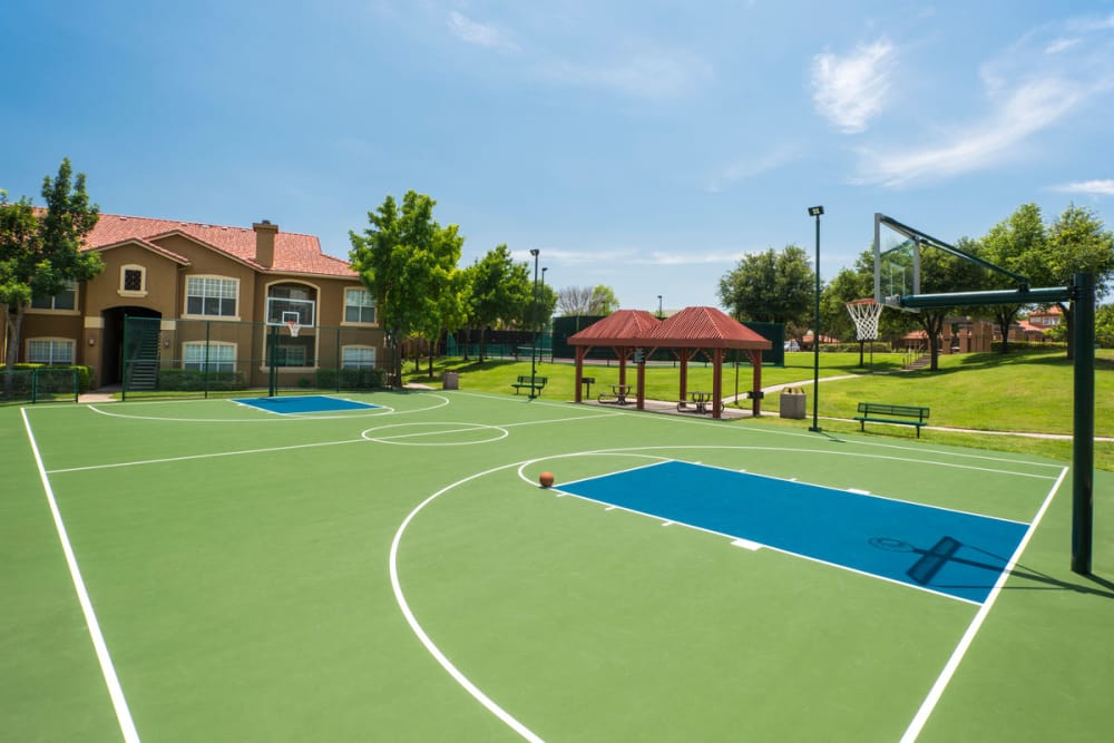 Modern basketball court at Estates on Frankford in Dallas, Texas