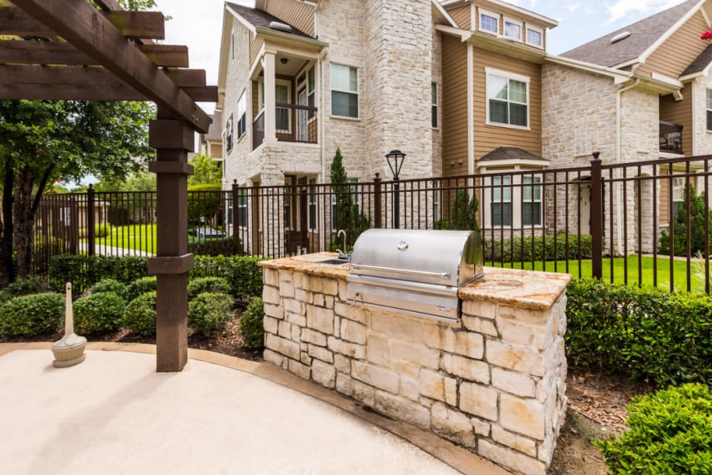 Outdoor BBQ area at Marquis at Cinco Ranch in Katy, Texas